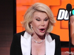 joan-rivers-facelift-080231-400x300